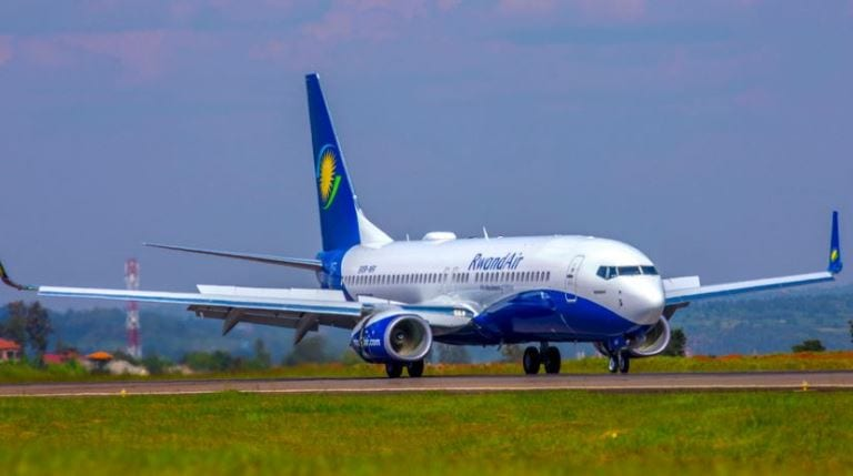 Fly-Rwandair.jpg